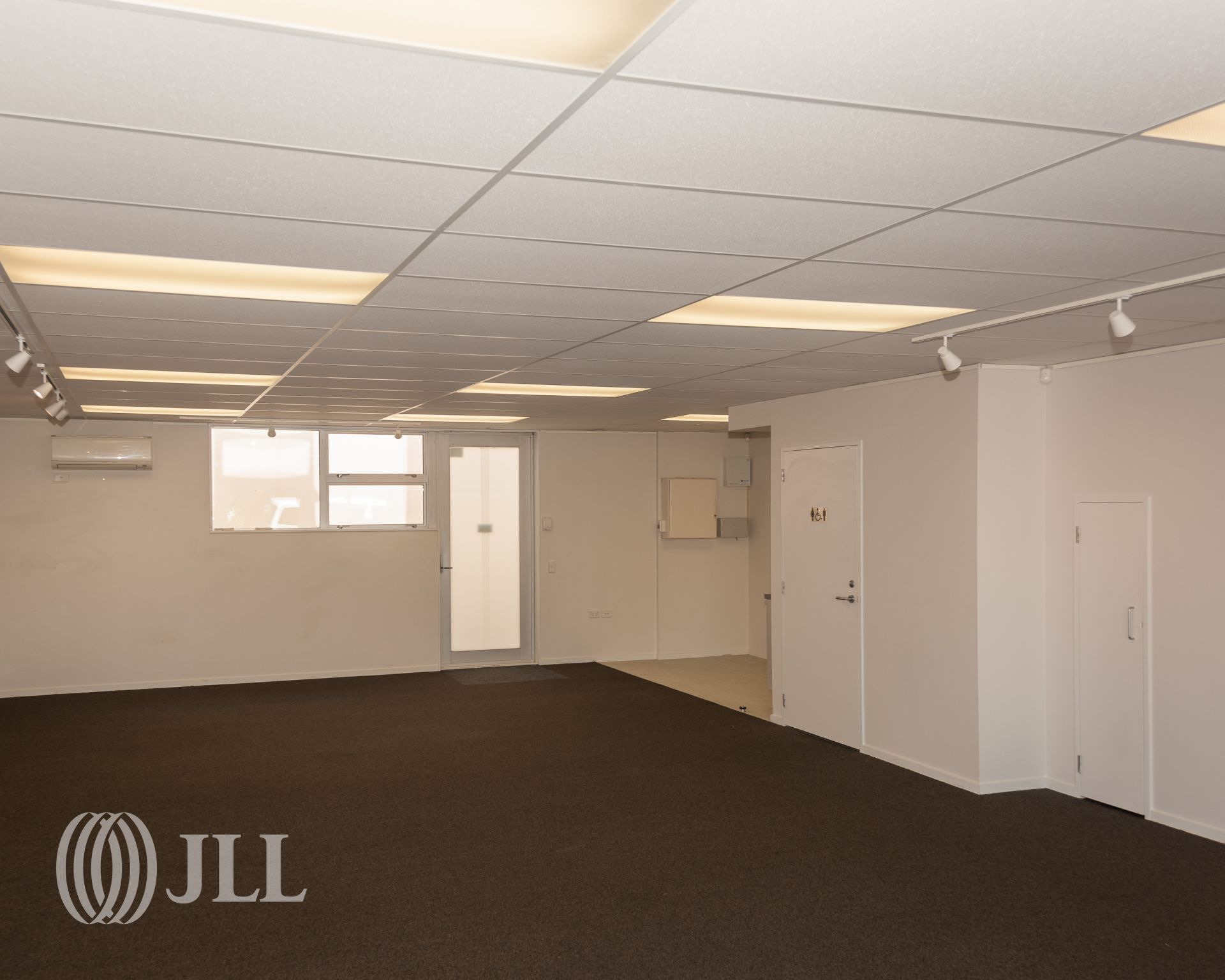 Modern well equipped ground floor office
