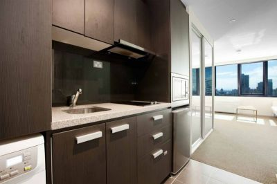 City Tempo: 24th Floor - Superb Stylish Living!
