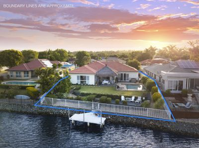 Tranquil Waterfront  Retreat Not To Be Missed!