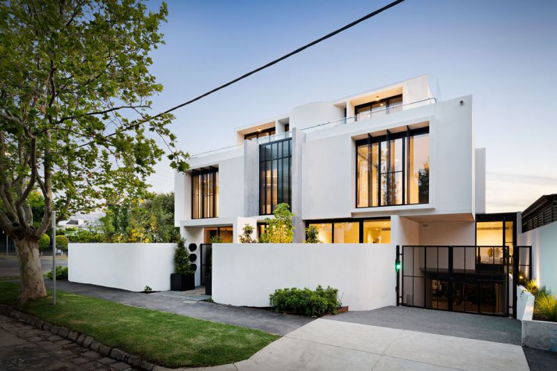 UNDER APPLICATION -Expansive Ground Floor Luxury with Multiple Courtyards