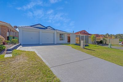 BEAUTIFUL HOUSE FOR SALE AT PARKWOOD GOLD COAST