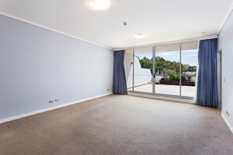 Unique One Bedroom Plus Study With 74sqm Terrace