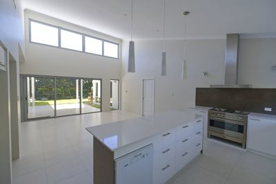 Light and bright spacious near new house