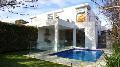 LUXURY RESIDENCE WITH ITS OWN CINEMA & POOL