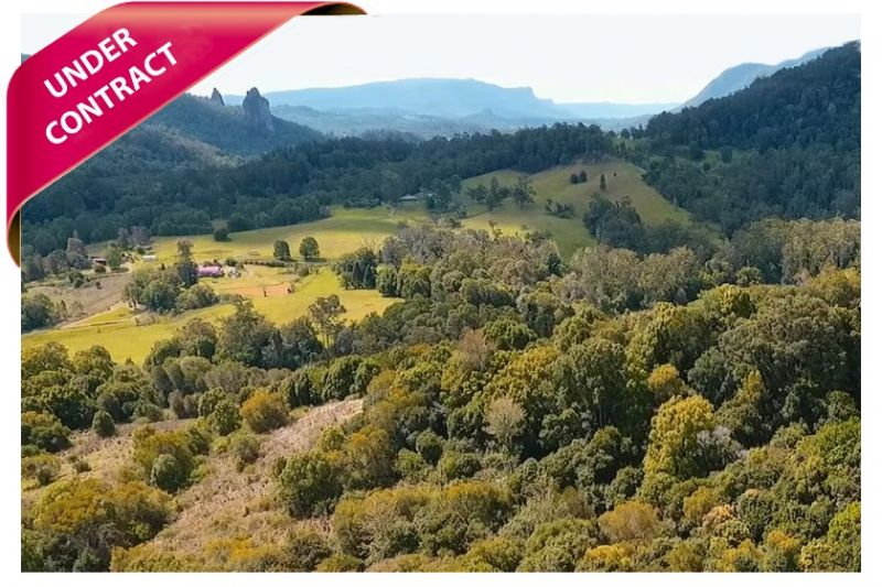 LARGE ACREAGE WITH EVERYTHING ON THE WISH-LIST