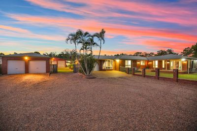 PRIVATE FAMILY ACREAGE WITH SPACIOUS LIVING AREAS, POOL, SOLAR & 6 CAR ACCOMODATION!
