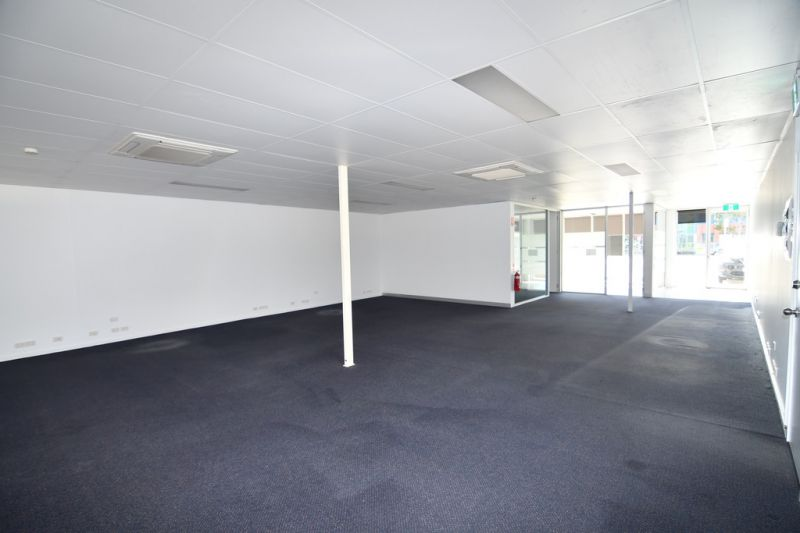 Fully fitted Charters Towers Road offices