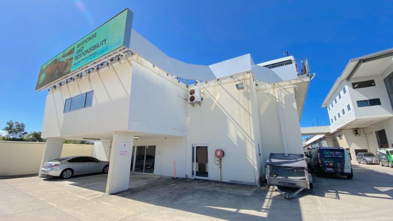 Industrial Warehouse with Motorway Exposure
