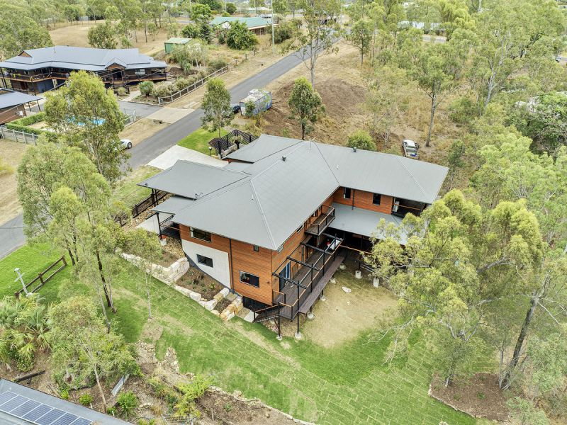 Magnificent Masterpiece...Stunning Family Home on 4000m2 with Granny Flat