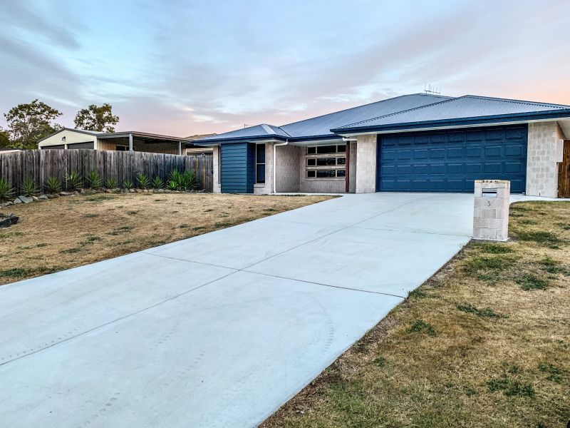 For Sale By Owner: 5 Mark Avenue, Toogoom, QLD 4655