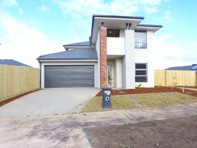 Fabulous Double Storey Home in Williams Landing!