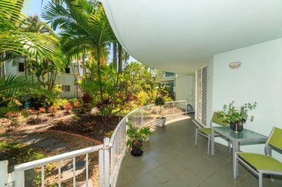 Ground floor apartment with garden views!