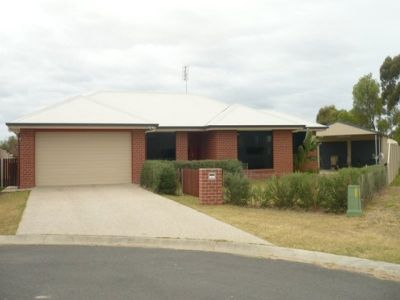 LARGE 4 BEDROOM FAMILY HOME WITH SHED - UNFURNISHED