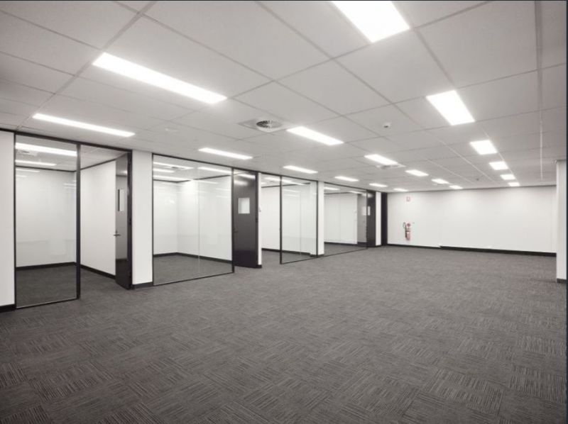Quality office + warehouse in outstanding location