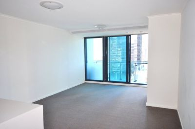 Southbank ONE: 15th Floor - Indulge in Southbank Living!