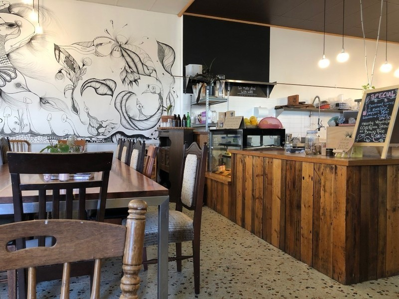 PROFITABLE CAFE AND ORGANIC WHOLEFOODS IN SEDDON