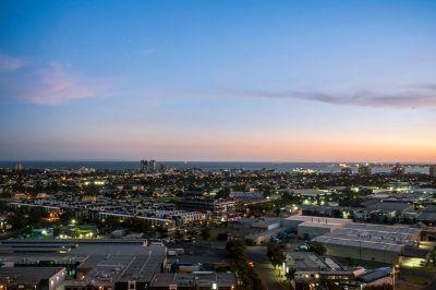 Blissful Port Phillip Bay views and sleek Array charm