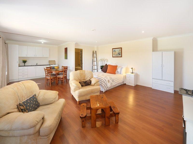 11 Viv Hull Avenue, Eumundi QLD 4562