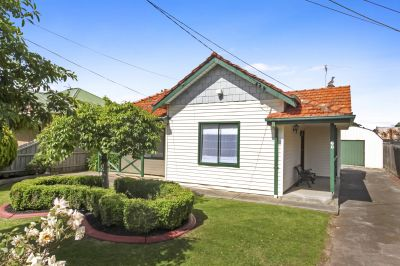Outstanding Edwardian Entertainer on 697sqm