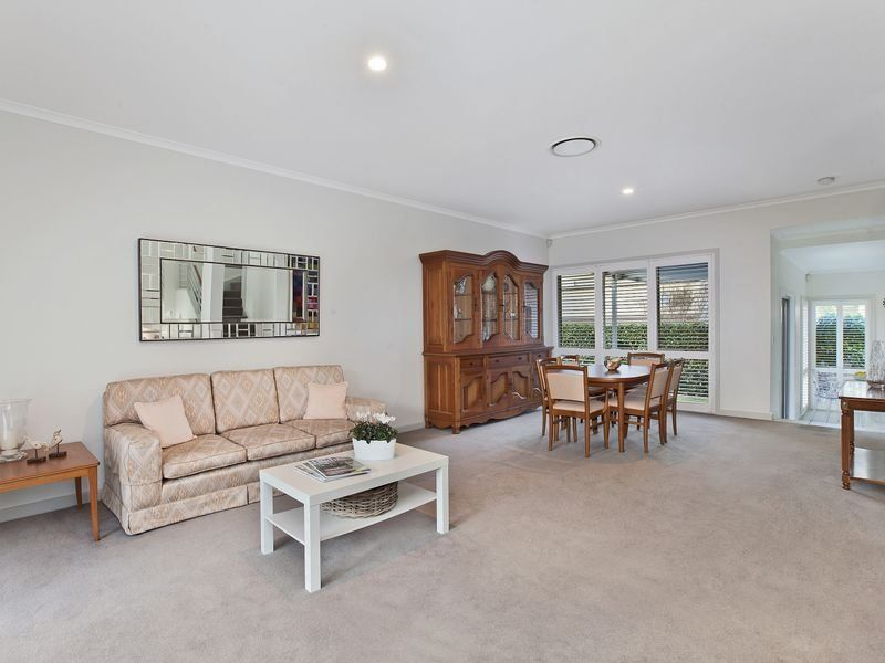 13 Thompson Avenue Newington 2127