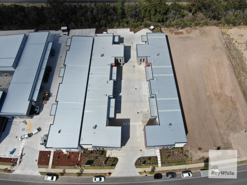 154m2 Architecturally Designed Office/Warehouse