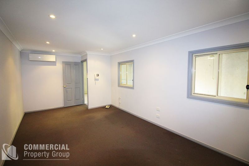 LEASED BY CHRIS WADE - NEAT & TIDY, START STRAIGHT AWAY