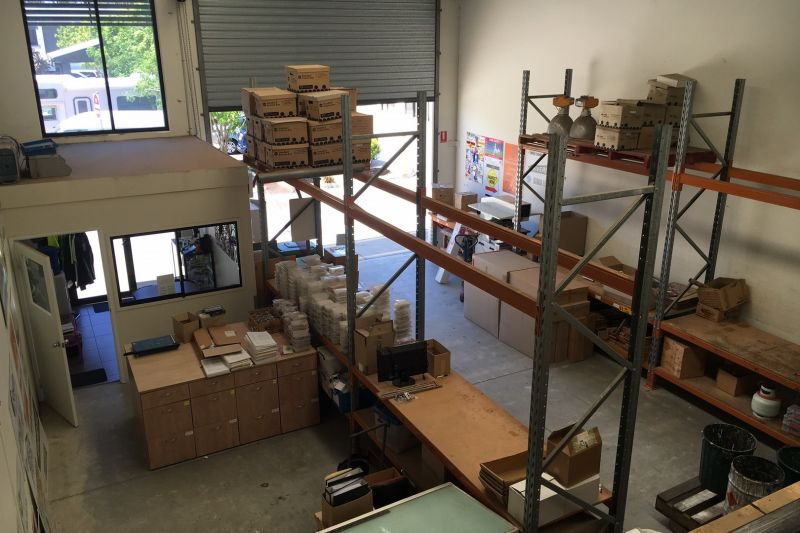 DO YOU REQUIRE A SECURE COMPEX WITH 140 SQM OF WAREHOUSE/OFFICE SPACE?
