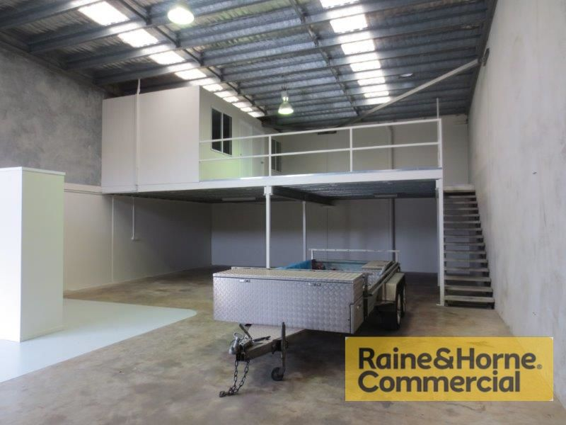 204sqm Modern Industrial Unit with Approved Mezzanine Floor