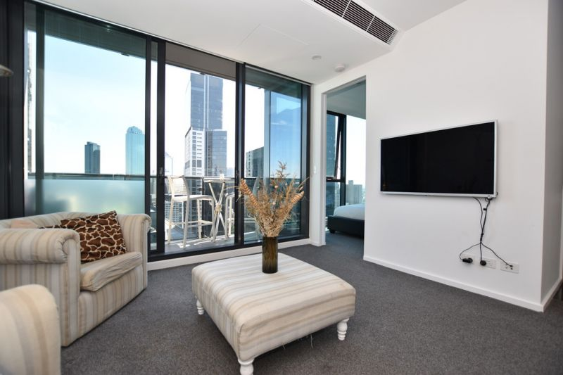 Stunning, Furnished Apartment with the Best View in the Building! L/B