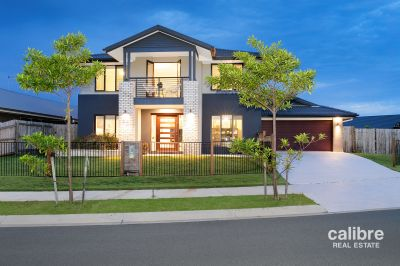 Luxury Residence - Huge 703sqm Block - Two Street Side-Access - Lake Views from Upper Balcony!
