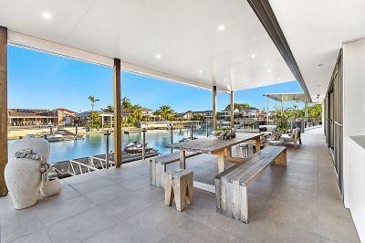 Runaway Bay Islands - Modern Design - 19m+ Waterfrontage