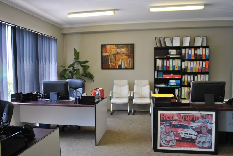 Vacant Possession - Professional Office with Warehouse 334m2*