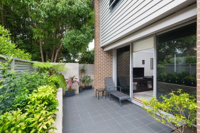 TRANQUIL OVERSIZED TOWNHOME  - LOCATED AT REAR OF THE BOUTIQUE  'ELANDRA'