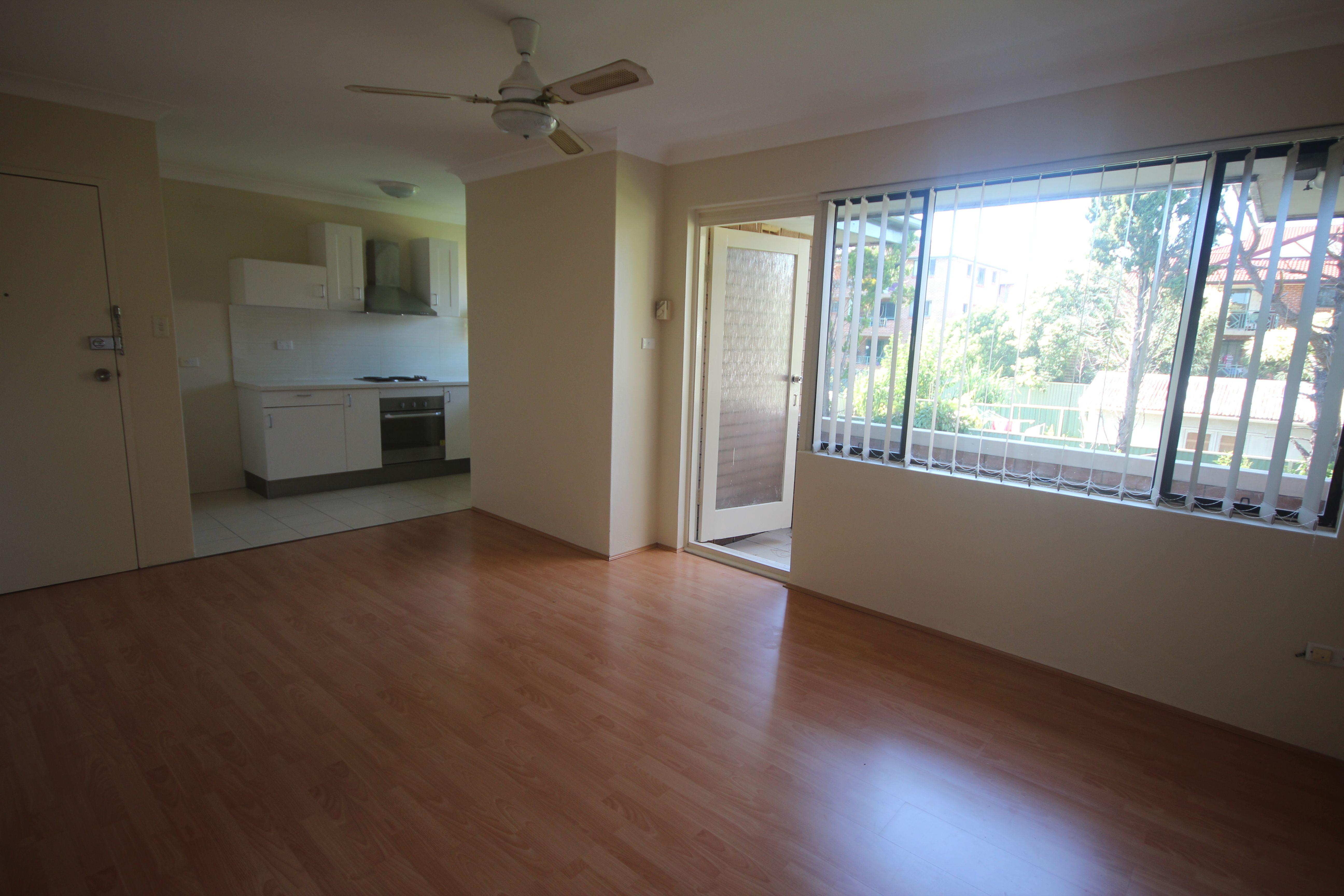8/25 Sixth Avenue, Campsie NSW 2194