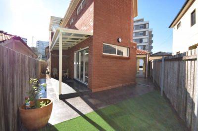 2 Bedroom Flat for Rent in Maroubra. Convenient Location!!!