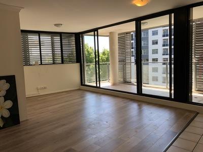 Modern 3 Bedroom with Wooden Floor Boards