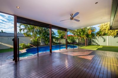 FANTASTIC FAMILY HOME WITH POOL IN GREAT LOCATION
