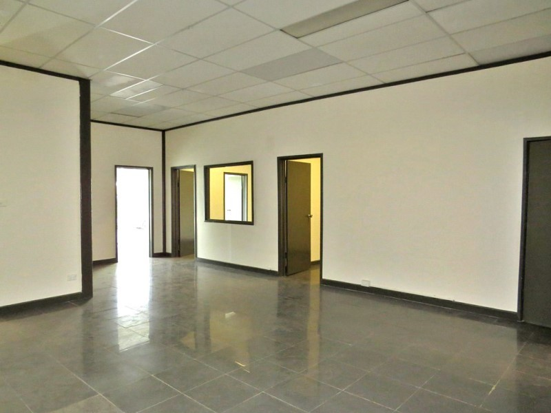 NM1507 - Warehouse plus office space - C21