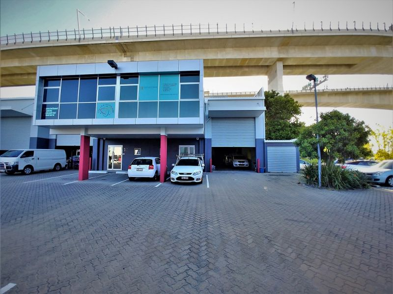 225m2* MURARRIE INDUSTRIAL UNIT WITH 105m2* YARD