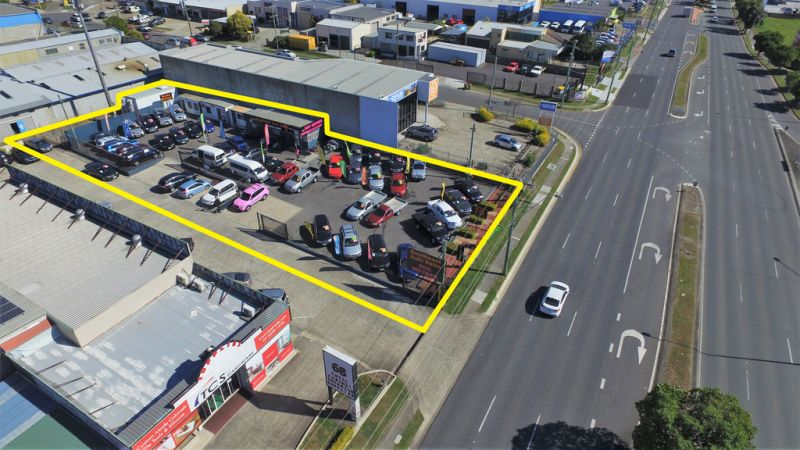 DUAL OCCUPANCY OPEN AIR SALES YARD - OWNER WANTS QUICK SALE