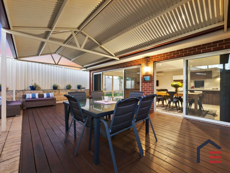 Exceptional Entertainer in Enviable Location