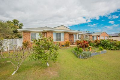 QUALITY FAMILY HOME IN QUIET CUL-DE-SAC WITH DOUBLE SHED + SOLAR!