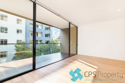 FULLY-RENOVATED OVERSIZED STUDIO IN THE HEART OF VIBRANT SURRY HILLS