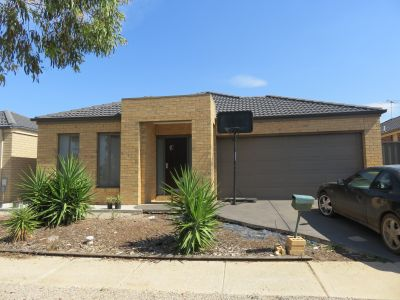 Brand new residence set in the sought after Manor Lakes Estate!