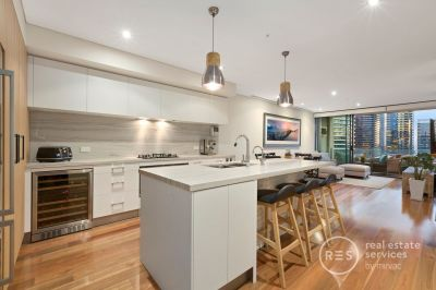 Sleek renovated charm and river views to truly appreciate