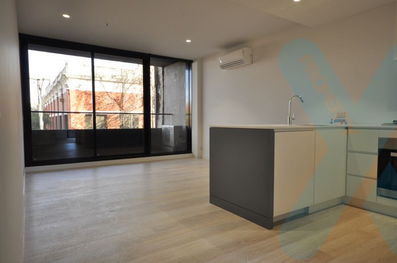 Spacious 2 Bedroom, 2 Bathroom Apartment in the famous OXLEY Complex