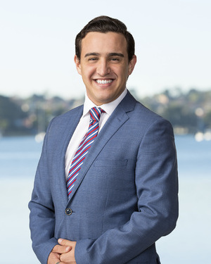 Gabriel Campos Real Estate Agent