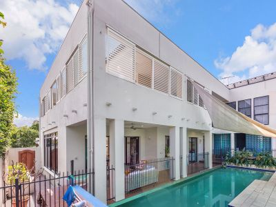 Expansive Luxury Home in Prime Location
