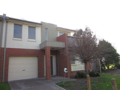 Townhouse in Central Werribee