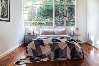 Fab 2bedroom St Kilda East (fully furnished ground floor) flat